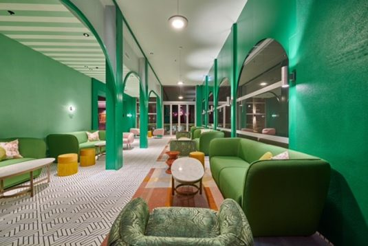 A very green gorgeous lounge
