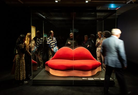 A sofa in the shape of Mae West's lips on display at Te Papa